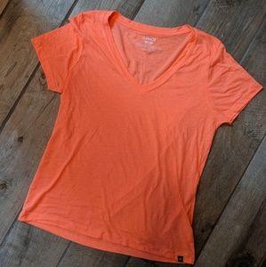 Hurley V-neck tshirt